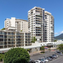 Park Regis Piermonde Apartments - Self-contained apartments with coastline views located in the heart of Cairns featuring an outdoor pool, spa pool and BBQ facilities