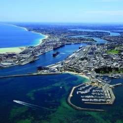 Seashells Fremantle - Save up to 40% with Free Upgrade at this 4 star, fully equipped apartment located within minutes walk of North Fremantle River Beach